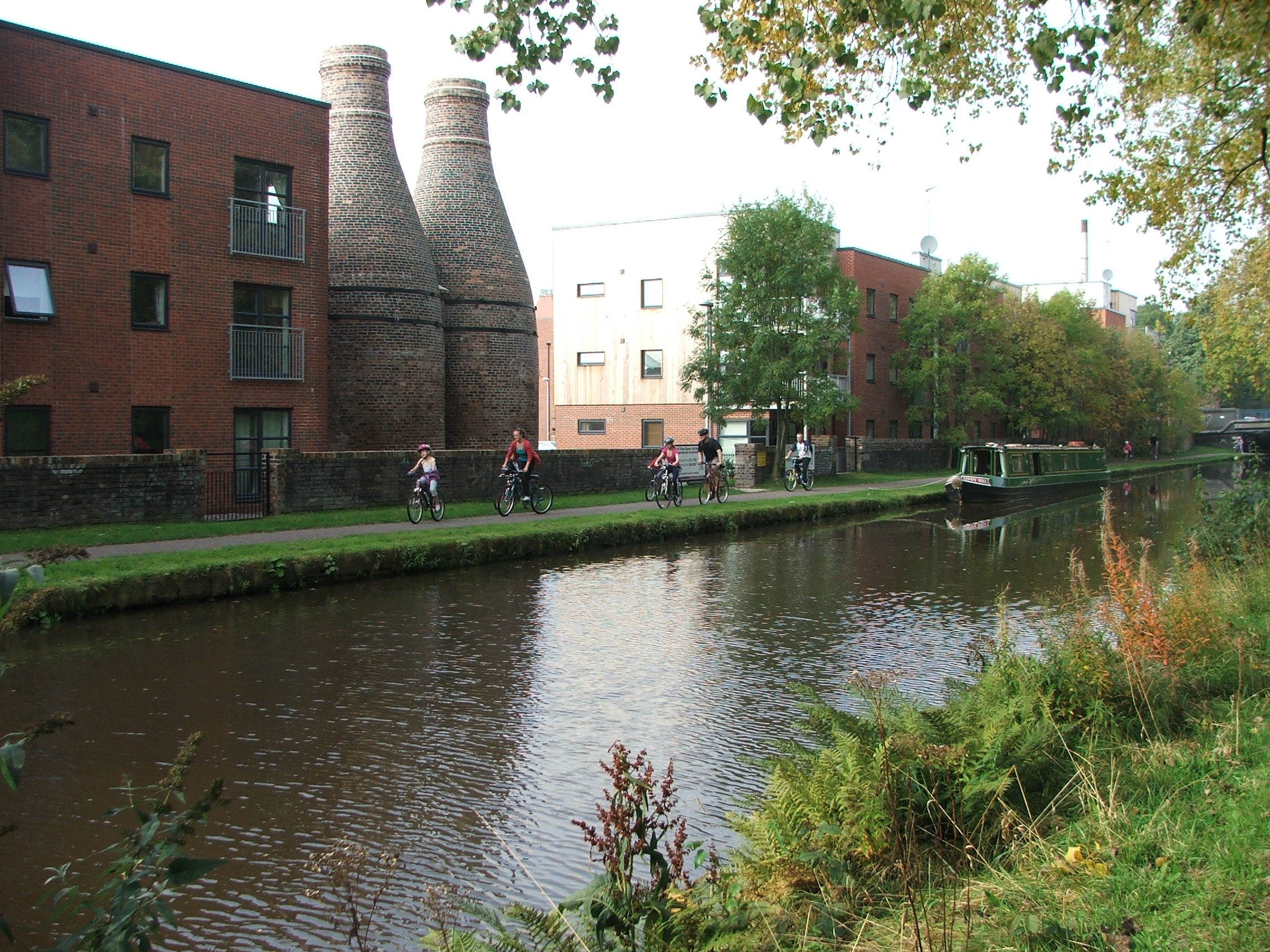 Bottle ovens and new flats in Stoke-on-Trent