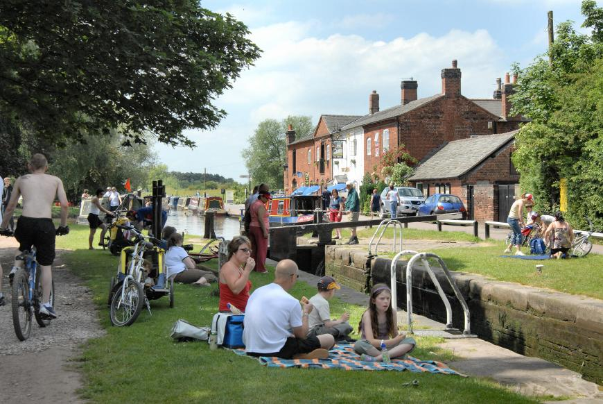 Busy day at Fradley Junction